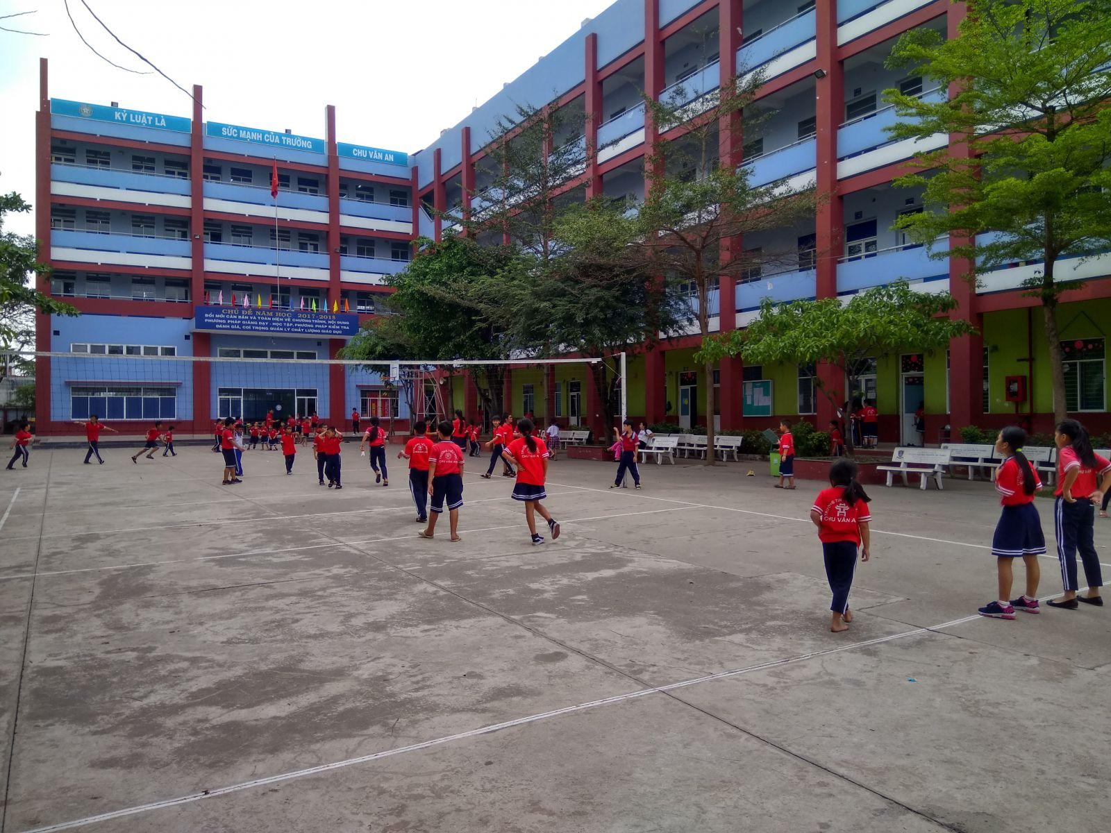 Toàn cảnh nhà trường